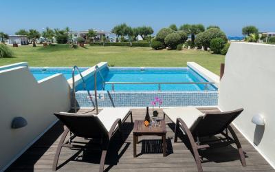 pokoj swim up private pool