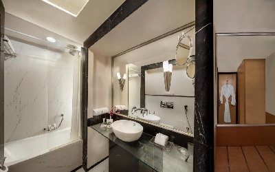 Savoy Suites - koupelna