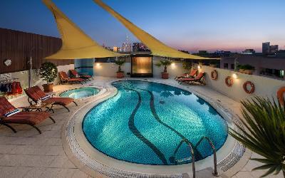 Savoy Suites - venkovní bazén