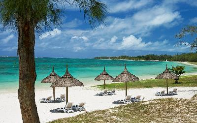 471 Emeraude beach