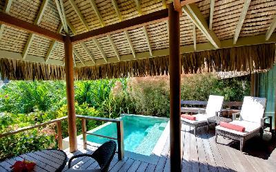 MOZ Intercontinental Garden Pool Bung (5).gallery_image.1