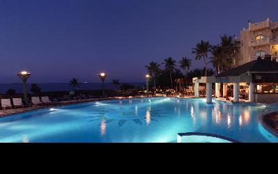 Grand Hyatt - Marjan with Pool Bar