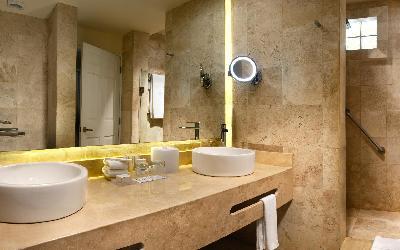 Catalonia Royal Tulum - Bathroom Privileged Deluxe - short