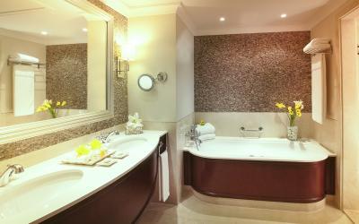 JA Palm Tree Court Spa - Beach Front Junior Suite - koupelna