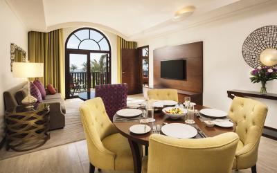 JA Palm Tree Court Spa - Suite - obývací část