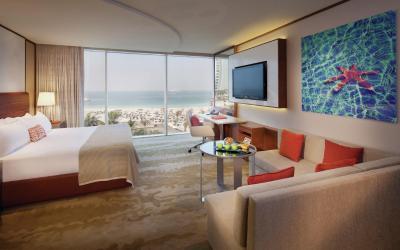 Jumeirah Beach Hotel - Ocean Superior Room - Bedroom King View
