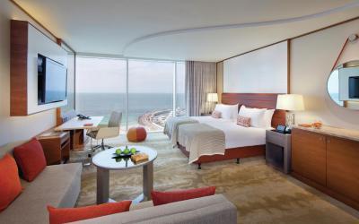 Jumeirah Beach Hotel - Ocean Superior Room - Bedroom Twin View