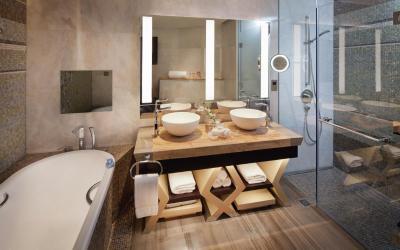 Jumeirah Beach Hotel - Three Bedroom Ocean Suite - Bathroom