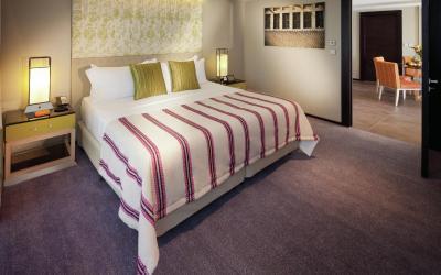 Jumeirah Beach Hotel - Three Bedroom Ocean Suite - Bedroom