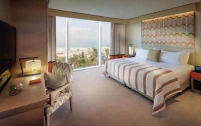 Jumeirah Beach Hotel - Three Bedroom Ocean Suite - Master Bedroom