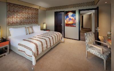 Jumeirah Beach Hotel - Two Bedroom Superior Suite - Master Bedroom