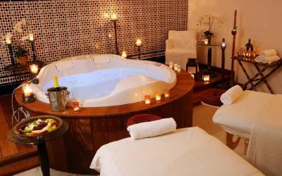 Oasis Dead Sea - VIP Spa Suites s privátní Jacuzzi