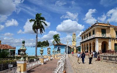 bigstock-Plaza-Mayor-Trinidad-de-Cuba--77347490