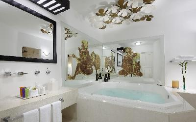 desire-riviera-junior-suite-jacuzzi-00
