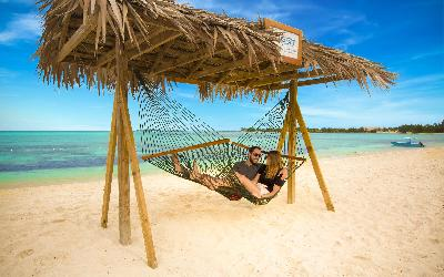 BZB_Activity_Beach-Hammock_Mar2016