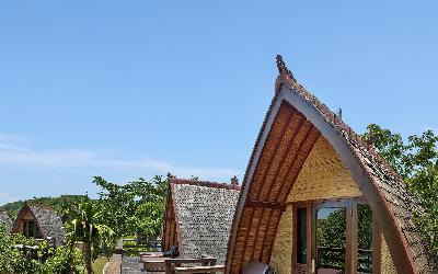 ROOM-TRADITIONAL LUMBUNG HUT 1