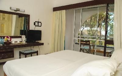 Hotel Reef_II