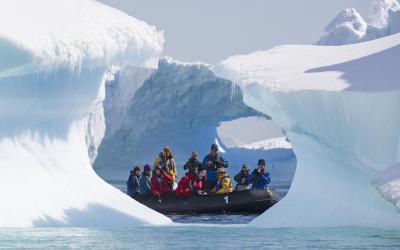 Antarktida - výjezd na zodiacu
