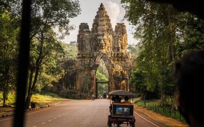 bayon gate