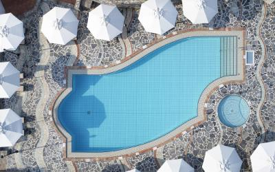 bungalow_pool2