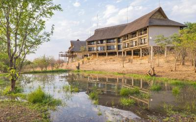 victoria_falls_safari_club_view_from_small_waterhole