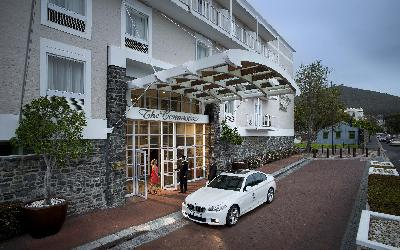 Commodore Exterior Porte Cochere