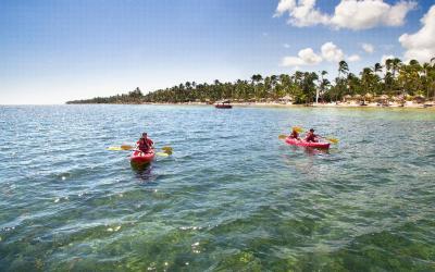 CataloniaBavaroBeach-Punta-Cana-Kayak