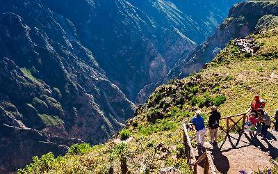 Peru | Mirador de la Cruz del Condor