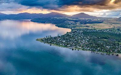 Nový Zéland   Taupo Lake