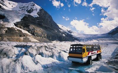 Jízda speciálem na jedno z šesti největších ramen ledovce Columbia Icefield | Columbia Icefield