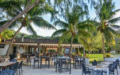 Berjaya-Praslin-Resort-Pizzeria Restaurant Seating Area