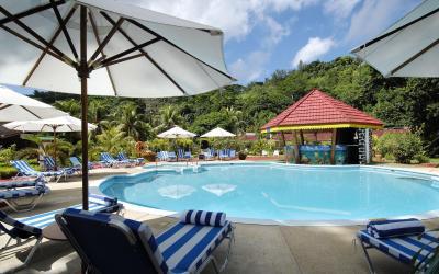 Berjaya-Praslin-Resort-Recreation - Swimming Pool - Sun Deck