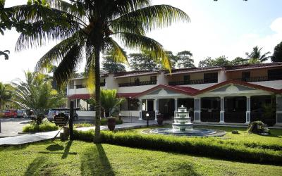 Berjaya-Praslin-Resort-Resort Entrance Day View