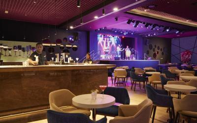 DUB_20_124 - Lounge bar
