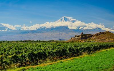 Klášter Khor Virap s horou Ararat   Arménie