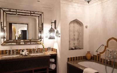 One Bedroom Ocean Suite Bathroom