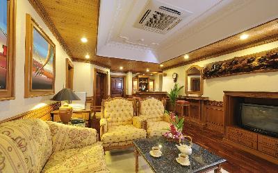 Two Bedroom Overwater Suite Living Area