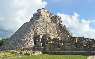 pyramid-568003_1920